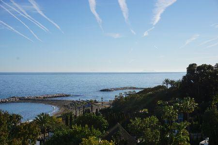 Ático dúplex de 3 dormitorios en Andalucía del Mar, Puerto Banus, Marbella, España