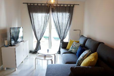 Fantastico apartamento en Mi Capricho, Calahonda